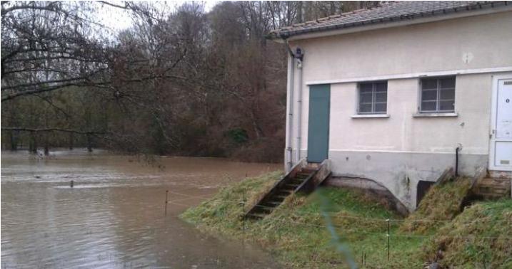 station de traitement de l'eau potable de Virecourt lors d'une crue de la Moselle 2017